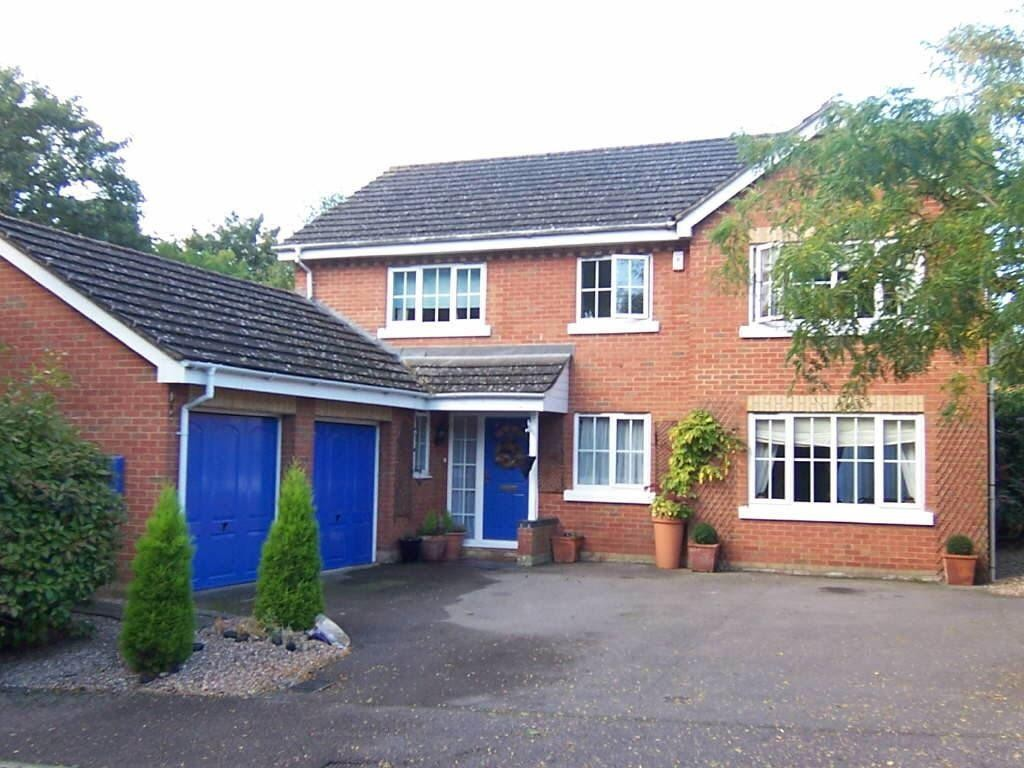a-must-see-property-a-beautiful-spacious-4-bedroom-detached-house