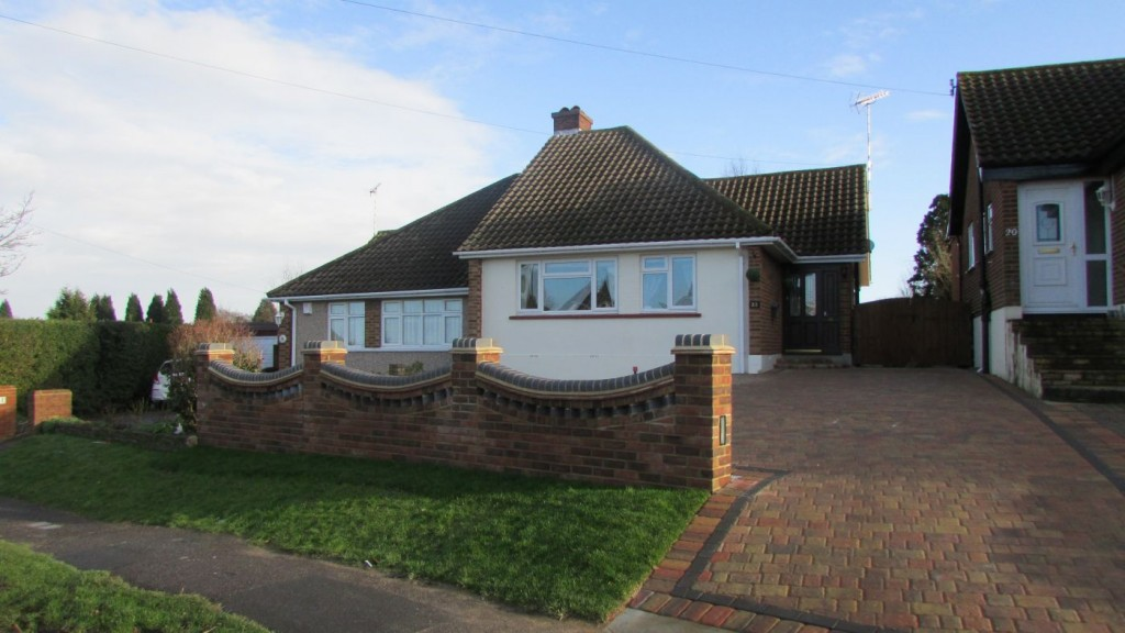 an-immaculate-and-desirable-3-bedroom-bungalow-with-off-street-parking