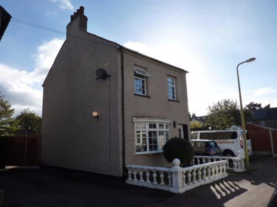 rarely-available-this-light-and-spacious-3-bedroom-characteristic-detached-house