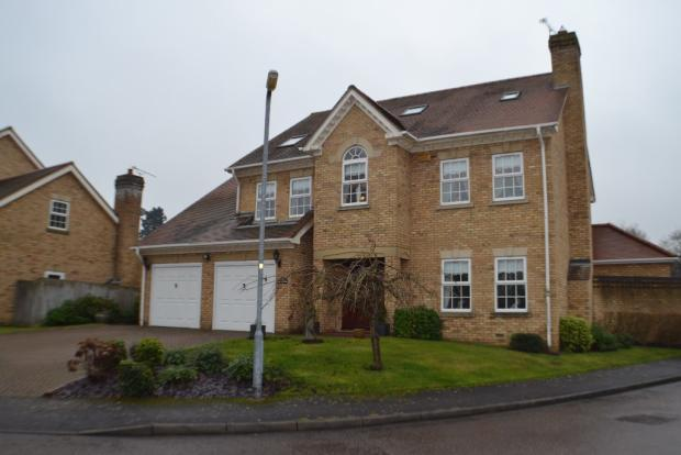 a-substantial-5-bedroom-detached-family-house