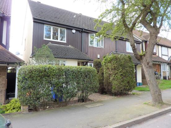 an-immaculate-2-bedroom-house-located-in-this-sought-after-area