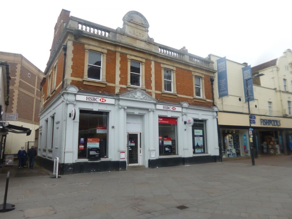 centrally-located-in-the-heart-of-waltham-cross